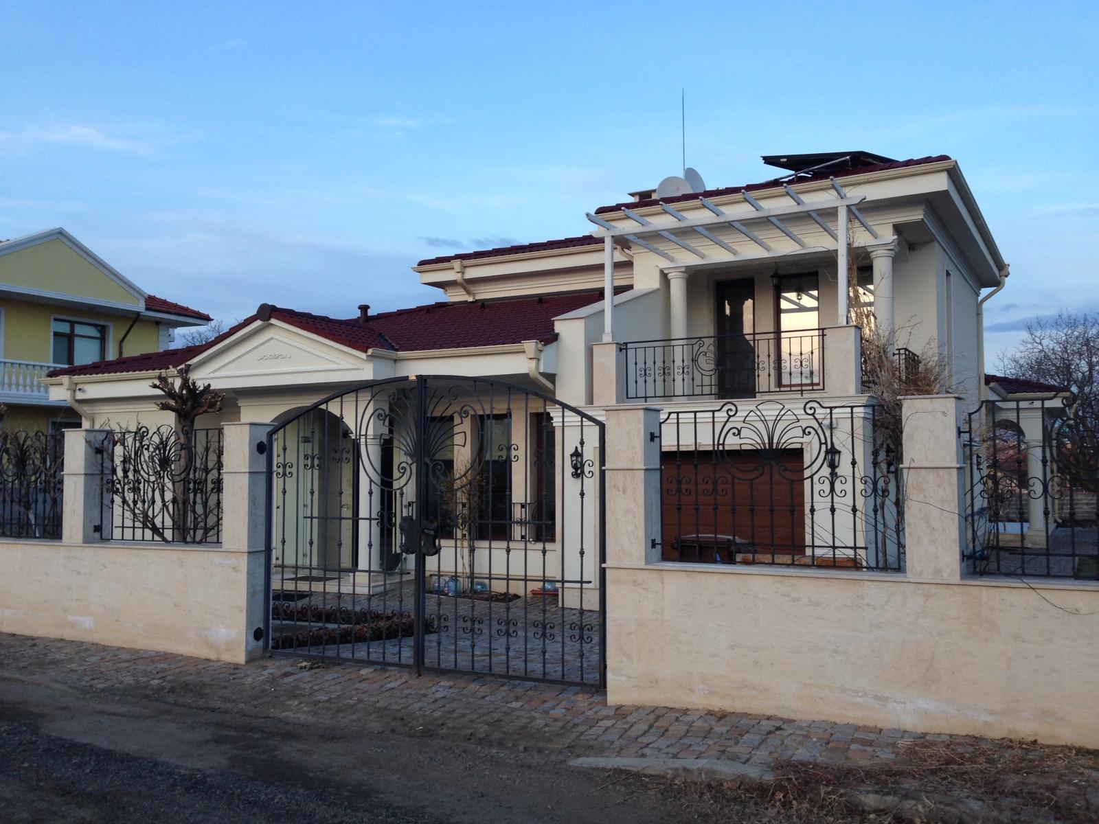 Еднофамилна жилищна сграда в гр. Бургас 1