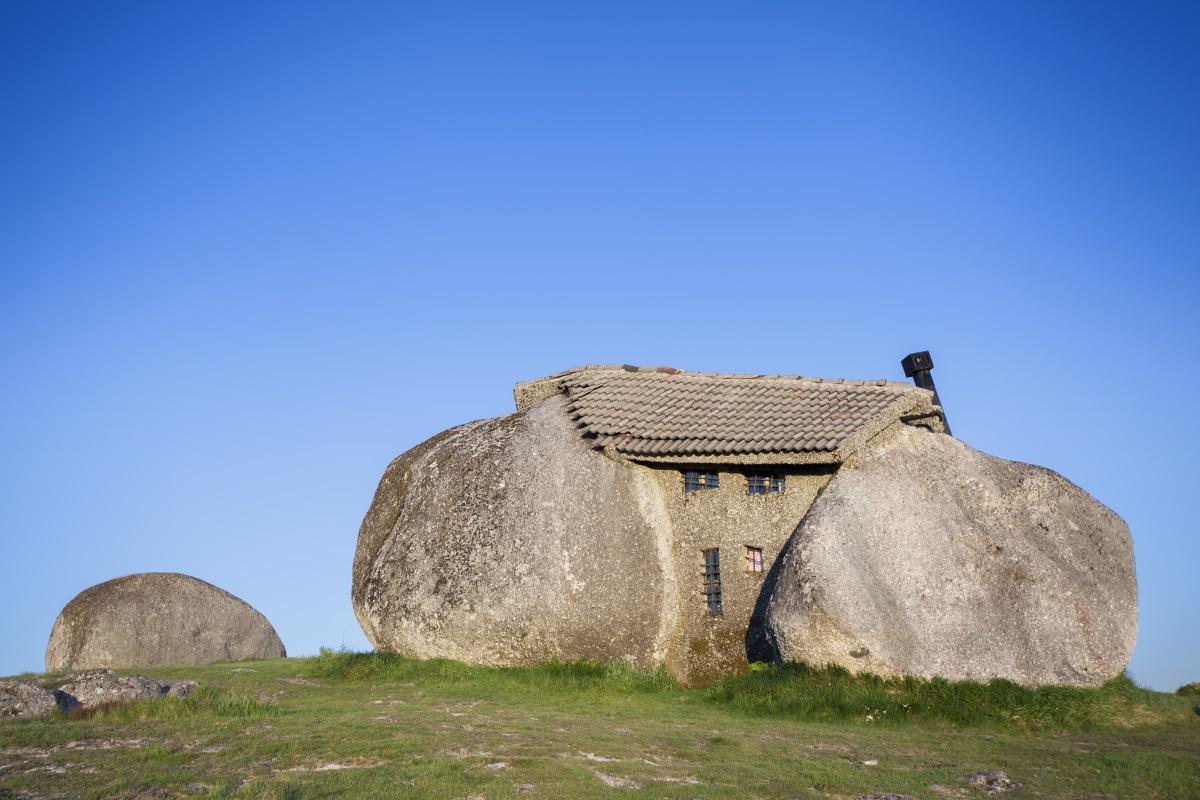Каменна-къща-Гимараеш-Португалия