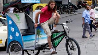 В Мюнхен заменят такситата с велорикши