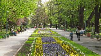 Възстановяват автентичния вид на градския парк под тепетата