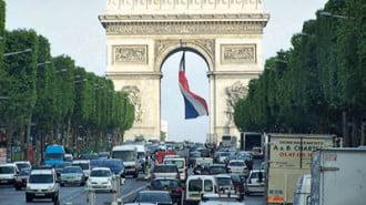 Заради смог въвеждат ограничения на трафика в Париж