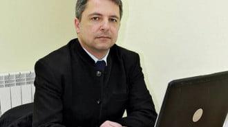 Велизар Петров