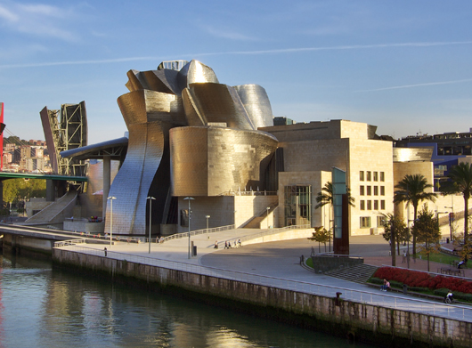 """Музеят """"Гугенхайм"""" в Билбао, Испания, арх. Франк Гери"""