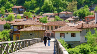 Велико Търново и Бургас са най-добри за живеене у нас