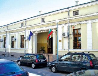 Компрометирани стени бавят откриването на музей