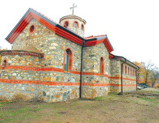 """Православен храм """"възкръсна"""" на мястото на светилището в Тросково"""