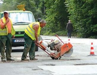 Аварийни ремонти и подготовка за зимата в Шуменско