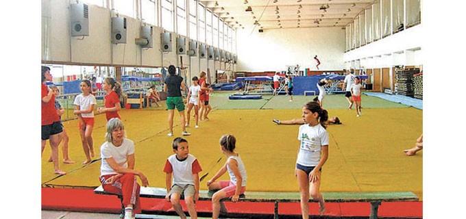 Залите на спортния комплекс се използват и от най-малките