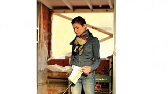 София Петрова е родена в София. Средното си образование получава в столичната Математическа гимназия. От 1998 до 2003 г. следва в Университета по архитектура, строителство и геодезия, където се дипломира като магистър архитект. Веднага след завършването си започва работа в Alumil - България. Година по-късно се премества в архитектурно студио NAB Architects. Професионалният й път минава и през Noble Graphics Ltd. и Елит Студио, където трупа опит и успешно се развива в сферата на интериорния и графичния дизайн. През април 2011 г. основава собственото си студио SOFarch & изкуство, в което работи и до днес.