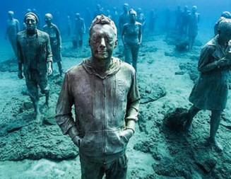 Първият подводен музей в Европа вече посреща туристи