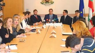 Новият директор Асен Ненчев и членовете на борда Натанаил Стефанов и Васил Караиванов бяха представени на брифинг пред медиите