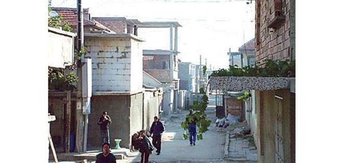 """Няма статистика колко точно са постоянните жители на ромският квартал """"Надежда"""" в Сливен, но предполагаемият им брой е около 15 хил. души"""