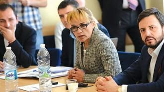 Десислава Иванчева трудно разбираше аргументите на съветниците, както и те нейните