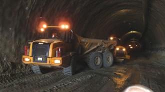 """От МРРБ имат амбицията да скъсят строителството на тунел """"Железница"""" с 400 дни"""
