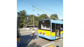 Подмяната на автобусите и старите тролеи с нови намалиха вредните емисии и разходите в градския транспорт