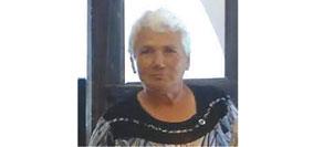 """Младена Димитрова управлява за втори мандат село Драганица, община Вършец. Завършила е техникум по хранително-вкусова промишленост, специалност """"Пивовар"""", но не е работила в тази сфера. Била е счетоводител на селскостопанската бригада и сътрудник в кметството."""
