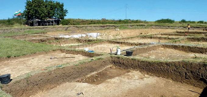 Разкопки на праисторическото селище в местността Валога при село Оходен