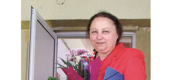 """Инж. Маруся Петрова е директор на Професионалната техническа гимназия """"Васил Левски"""" във Видин от миналата учебна година. Сега започва втората й управленска година. През цялото време преди това обаче е работила като преподавател в същото училище - тогава механотехникум. Основният предмет, който е водила, е двигатели с вътрешно горене."""