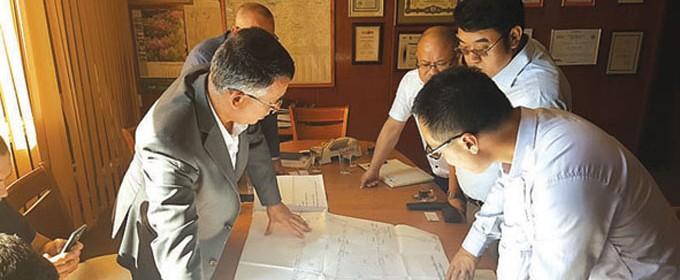 Бъдещи инвестиции в Кърджали обсъдиха на среща кметът инж. Хасан Азис и Лимеж Ган, ген. мениджър на китайската компания CYG Electronics CO.Ltd - Джони Лий