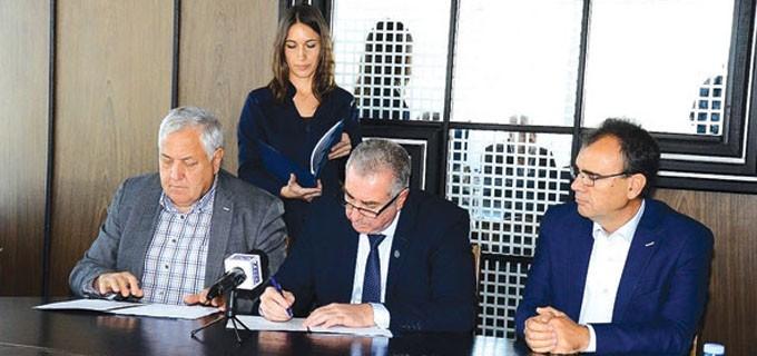 Кметът на Видин Огнян Ценков и представители на фирмите изпълнители подписаха договорите за доизграждане на пречиствателна станция край града