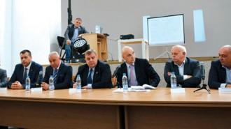 """Представители на държавната и местната власт, на бизнеса и гражданите взеха участие в дискутията за АМ """"Струма"""""""