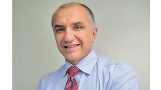 """Инж. Йордан Николов е сред учредителите на Българската асоциация за изолации в строителството (БАИС). Бил е два мандата председател на УС на асоциацията. От март 2016 г. е неин изпълнителен директор. Николов е експерт по изолационни системи. Специализацията му е в направление """"Покривни и хидроизолационни материали""""."""