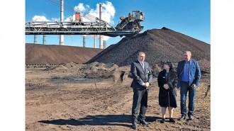 """Енергийният министър Теменужка Петкова провери запасите от въглища на две от централите в """"Марица изток"""""""
