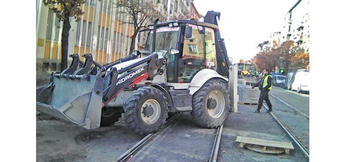 """Движението по бул. """"Дондуков"""", който все още се ремонтира, ще бъде пуснат на 20 ноември, обявиха от общината"""
