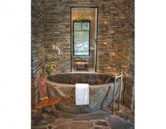 Материалът има значение!  Комбинацията на камък и вода превръща банята в истинска зона за релакс