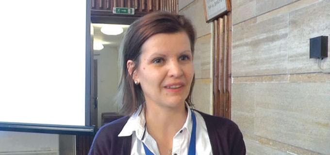 """Силвия Георгиева е завършила СУ """"Свети Климент Охридски"""" със специалности """"Политически науки"""" и """"Европейска публична администрация"""", с профил """"Местна власт и управление"""". Има следдипломна квалификация """"Лидерство и местна демокрация"""" от Централноевропейския университет в Будапеща, както и специализации по управление на проекти с еврофинансиране от България, Белгия и Гърция. Има над 15 г. опит в местното самоуправление - като общински съветник от 2003-2017 г. и управител на НСОРБ - """"Актив"""" ЕООД (консултантска фирма на НСОРБ) от 2006 г. до сега. Била е и изпълнителен директор на фондация """"Свиленград 2000"""". Отскоро е изпълнителен директор на НСОРБ."""