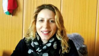 """Милена Алекова е родена в село Девесилица, община Крумовград, област Кърджали. Висшето си образование получава в ПУ """"Паисий Хилендарски"""", където завършва със степен магистър специалността """"Предучилищна и начална училищна педагогика"""" (ПНУП). От 2015 г. е избрана за кмет на село Аврен. Омъжена е и е майка на две деца. Заедно със семейството си живее в с. Аврен"""