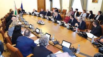 Сроковете за строителство на отделните участъци бяха записани в решение на оперативно заседание на Министерския съвет