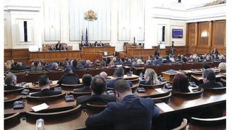 """След дълги дебати депутатите в парламента гласуваха """"За"""" строителство на централата"""