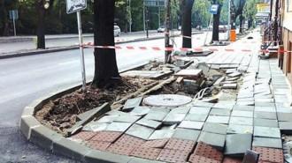 Пороят във Варна нанесе сериозни щети по улиците и тротоарите