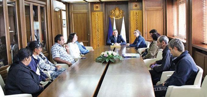 Кметът на Банско Георги Икономов се срещна с бъдещите озеленители, които ще работят по проекта в продължение на година