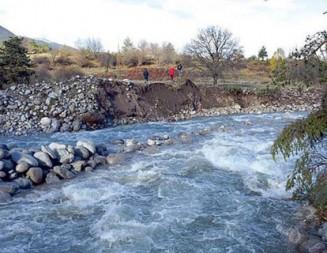 Дъждовното лято активизира администрациите, спешно подготвят проекти за корекции на реки