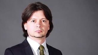 """Иван Велков е завършил и е специализирал икономика в Столичния университет по икономика в Пекин, Китай. Работил е като консултант и маркетинг мениджър в CB/DTZ в Китай и Хонконг, както и като стратегически HR и управител в """"Колиърс интернешънъл"""" и """"Колиърс пропърти мениджмънт"""" за Югоизточна Европа и България. Бил е регионален мениджър в Райфайзенбанк (България) и управител на """"Райфайзен имоти"""". Член е на КС на УС на Национално сдружение """"Недвижими имоти"""". Оглавява и фондация """"Интерактивна България"""". Вписан е за търговски медиатор в регистъра на Министерството на правосъдието. През 2015 г. бе избран и за зам.-председател на Столичния общински съвет. Хоноруван преподавател е в УНСС. През 2017 г. е избран за председател на Българската фасилити мениджмънт асоциация (БГФМА)."""