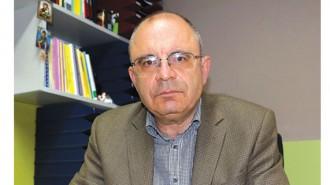 """Валери Иванов е роден в Кюстендил през 1954 г. Възпитаник е на УАСГ, ръководител на Катедра """"Градоустройство"""" в Архитектурния факултет, зам.-ректор по научна и приложна дейност на УАСГ. Научните му интереси са в областите градско планиране, социална инфраструктура и устройствено планиране. Има защитени научни степени """"доцент"""", """"доктор"""". Член е на КАБ, владее руски и английски език."""