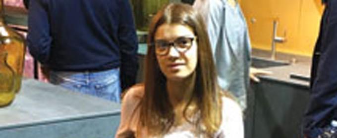 """Силвия Събева е родена в град Варна. Завършва Професионалната гимназия по горско стопанство и дървообработване """"Николай Хайтов"""", специалност """"Вътрешна архитектура и дизайн"""". Продължава образованието си във Варненския свободен университет """"Черноризец Храбър"""", където завършва специалност """"Пространствен дизайн"""". През 2007 година започва работа в частна фирма, чийто съсобственик става малко по-късно. В момента си има свое студио за дизайн и изработка на мебели. Интересува се и следи всички новости в областта на обзавеждането и редовно обменя опит и информация на най-голямото изложение на мебели в света Международния мебелен салон в Милано. В свободното си време обича да спортува."""