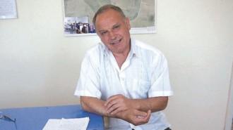 Борислав Филипов е кмет на село Ивановци от 2015 г. Преди това 18 години е бил управител на Дома на народната армия във Видин, 8-9 години е работил в строителна фирма. Никога не е прекъсвал връзките си с родното си село и днес му е лесно да го управлява. Помни го и многолюдно, и топящо се като всички северозападни села. В него са останали малко жители. Но и те искат подобрение на средата за живот.